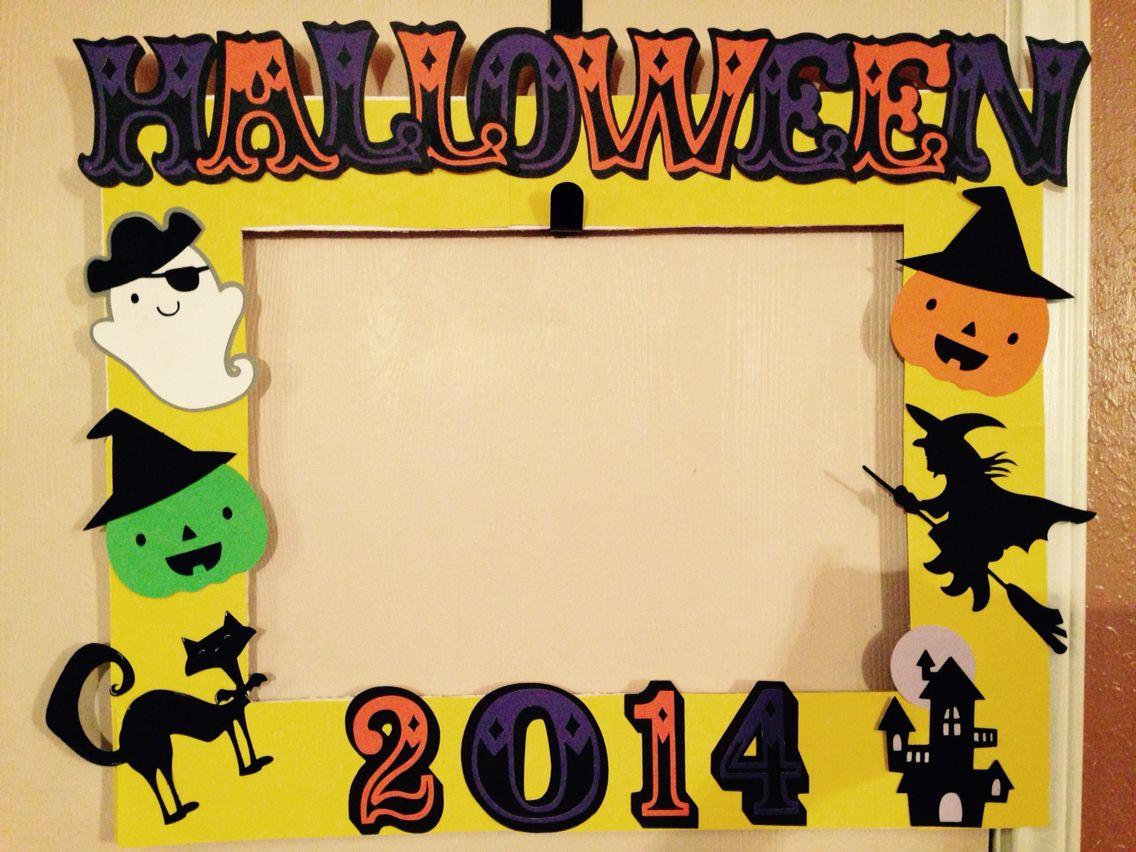 Halloween Photo Prop Frame using Cricut. Halloween
