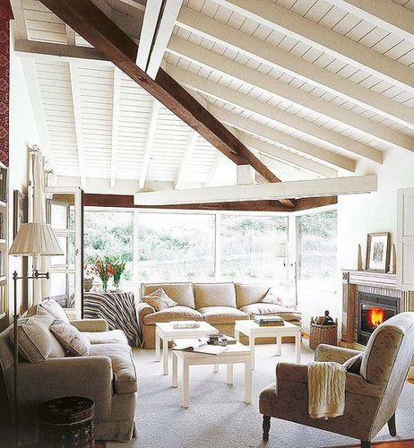 Una casa de campo de estilo ingl s mediterranean for Casa de campo de estilo ingles decoracion