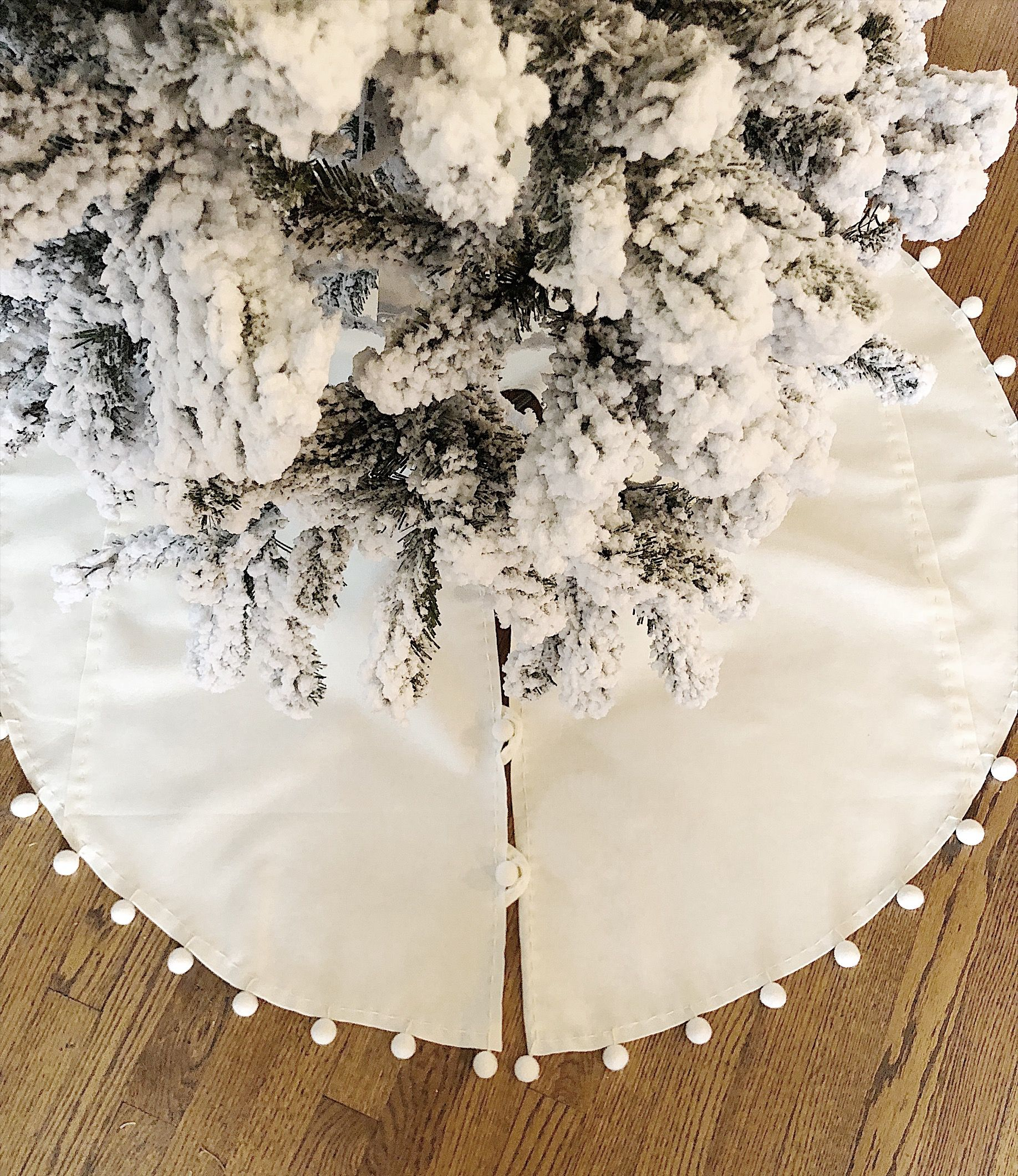 Make it yourself christmas tree skirt with tassels tree skirts make it yourself christmas tree skirt with tassels solutioingenieria Image collections