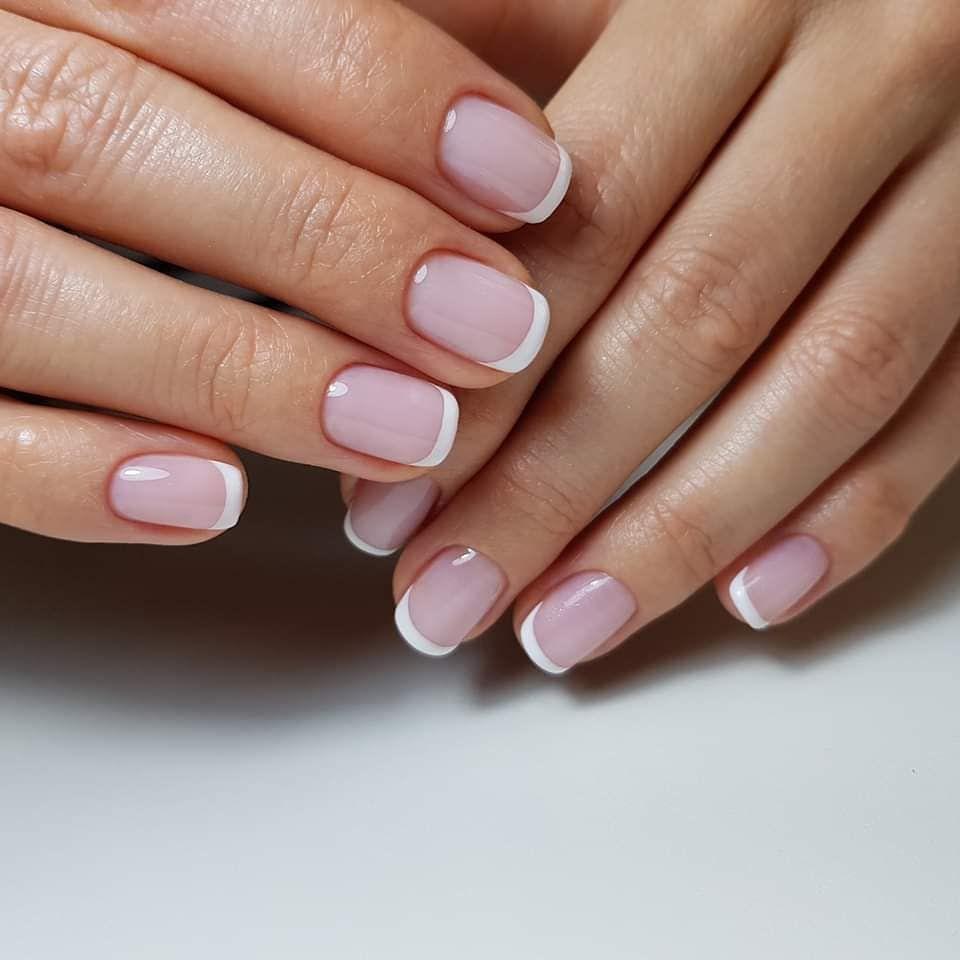 Klasyczny French Hybrydowy Nails Manicure Hybryda