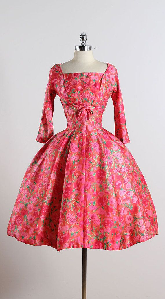 Fantástico Vestidos De Dama 1950 Ideas Ornamento Elaboración ...