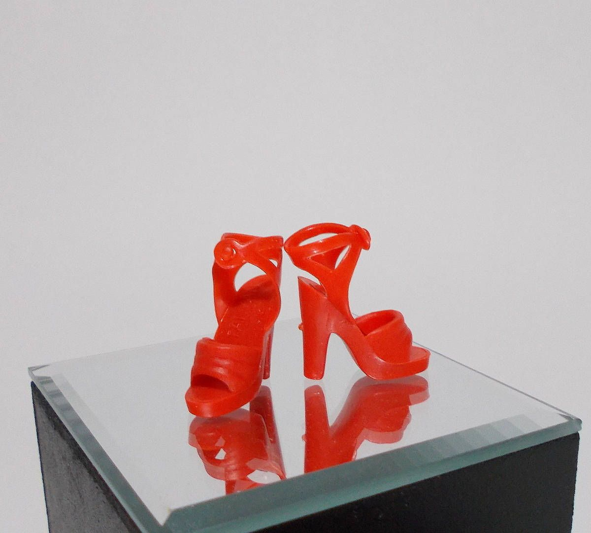 shoes for Barbie RED HIGH HEEL OPEN TOED SANDALS