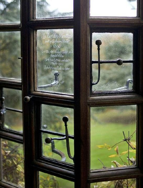 a window overlooking the garden at Le Bois des Moutiers - engraved by Luc Castel