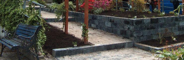 Gezamenlijke voortuin met hoogteverschil is gerealiseerd in Zutphen waar we gewerkt hebben met duurzame materialen. De buren hebben gekozen voor een gezamenlijke tuinaanleg welk één uitstraling moest krijgen.