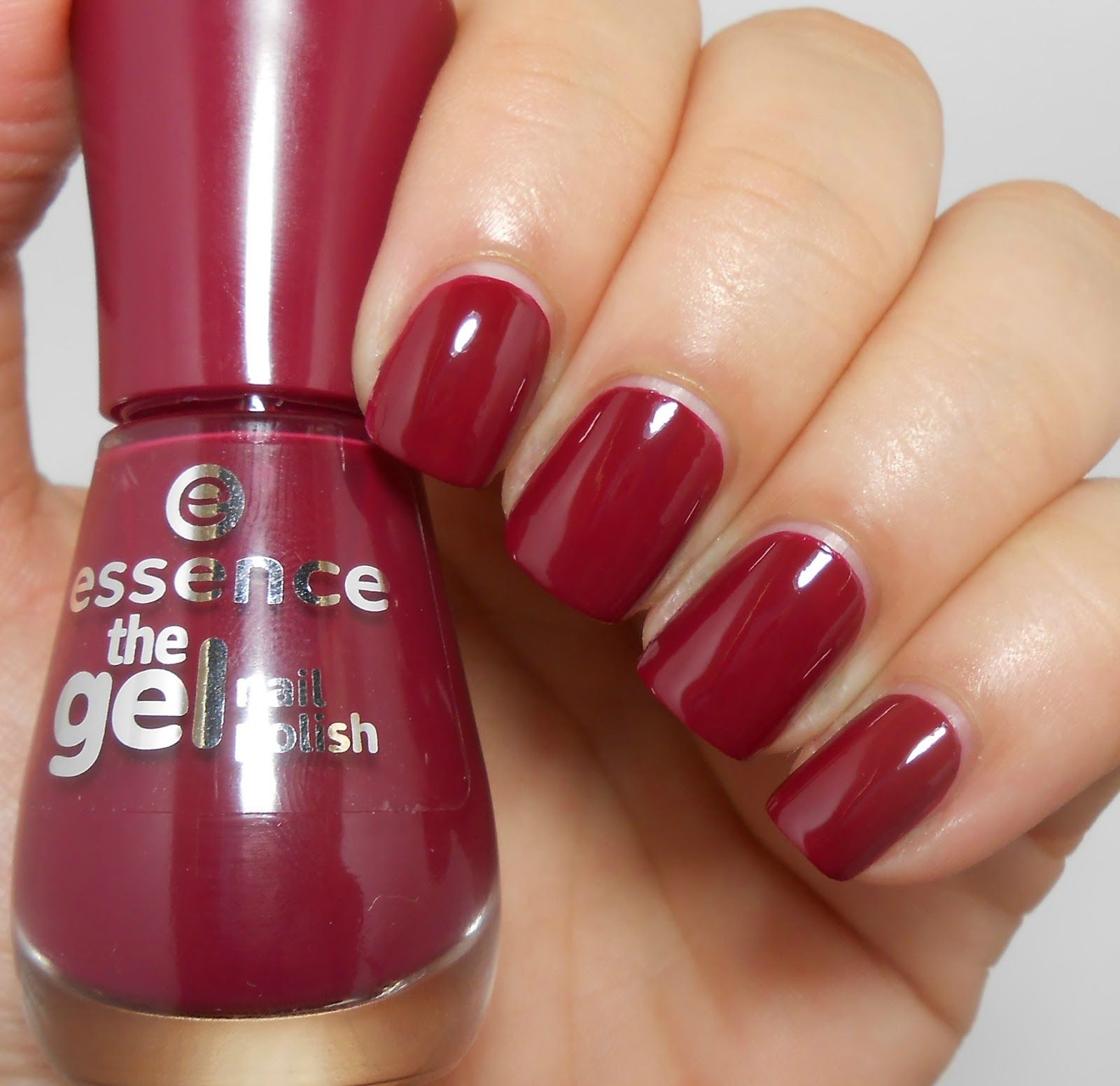 Taya: Review and Swatches: Essence The Gel Nail Polish (+ ...