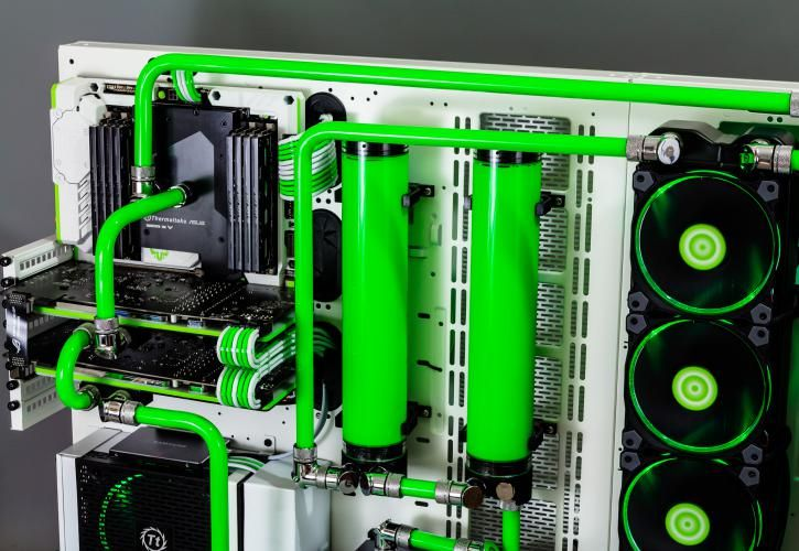 Pin By Cameron W On Pc Parts Green Pc Custom Pc Pc Setup