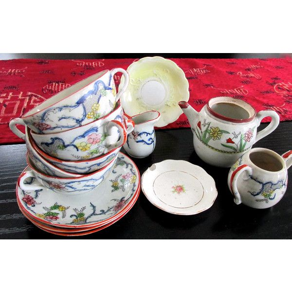 Collection of Vintage Japanese Tableware ($100) ❤ liked on Polyvore featuring home and kitchen & dining