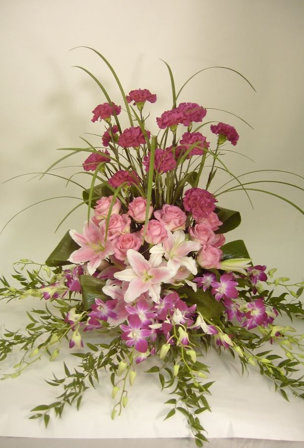 One Of A Kind Floral Designs To Inspire Your Creativity With Images Large Flower Arrangements Memorial Flowers