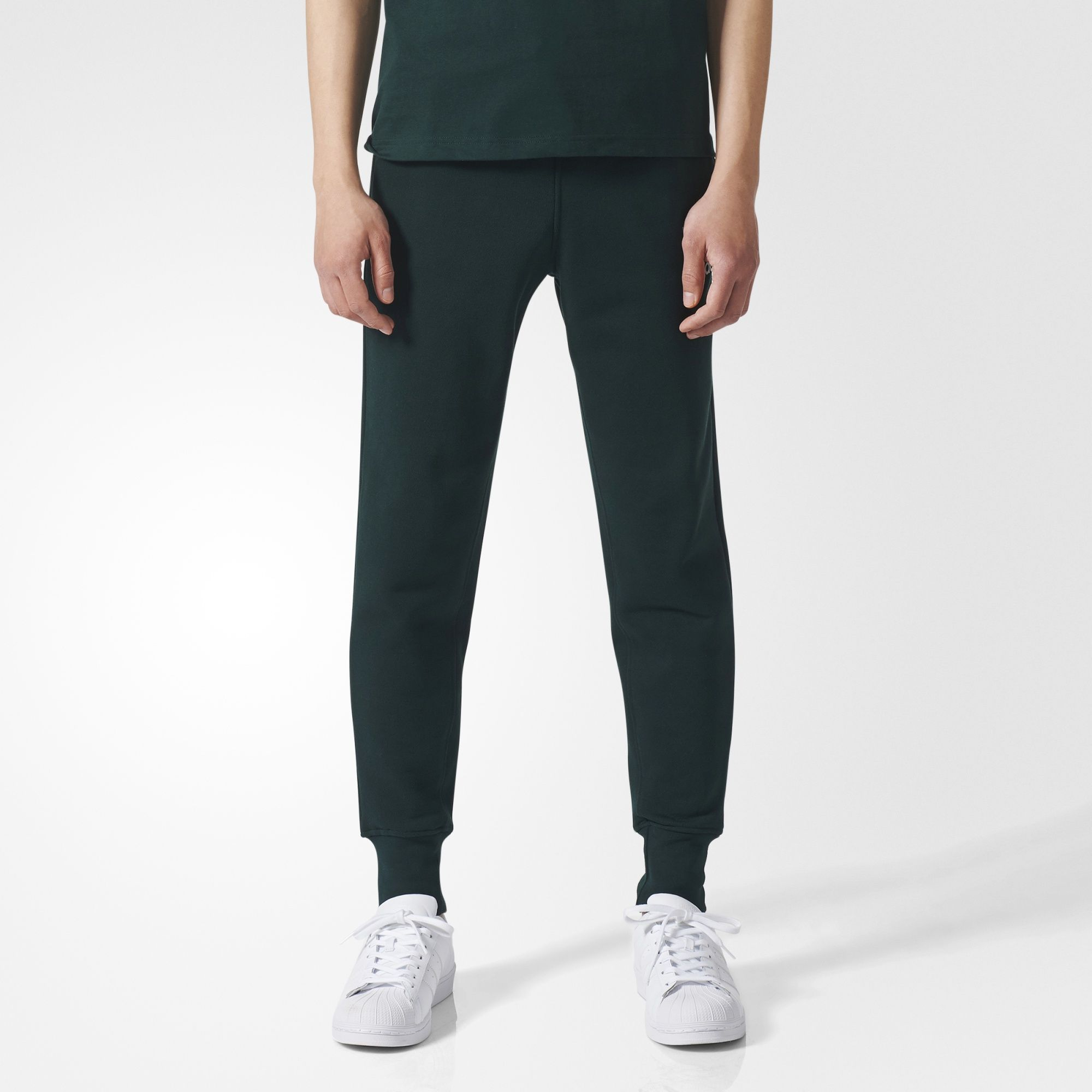 8a58989fbb A slim silhouette and elongated, ribbed ankle cuffs make these men's ...