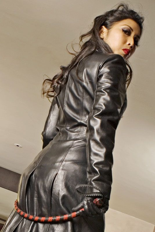 Layla The Domme Whip Girls Pinterest Leather Dominatrix And Latex