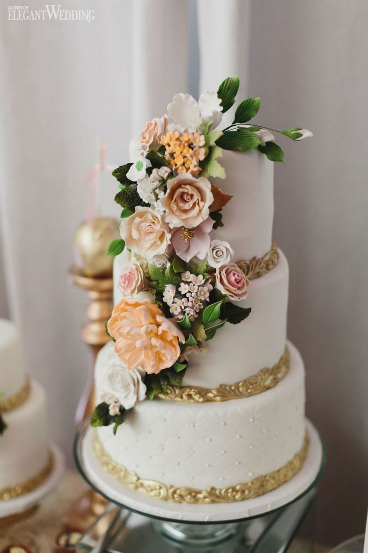 Garden Wedding Cake With Realistic Sugar Flowers Just Gorge Enchanted In Toronto