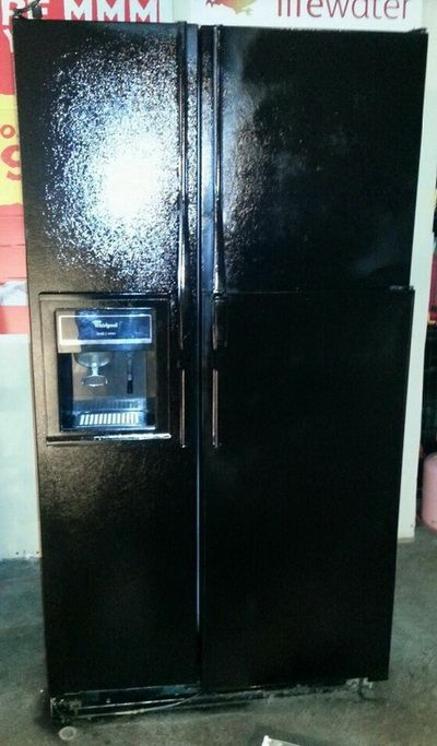 How To Repaint A Refrigerator With Appliance Spray Paint Black Appliance Paint Fridge Makeover Painting Appliances