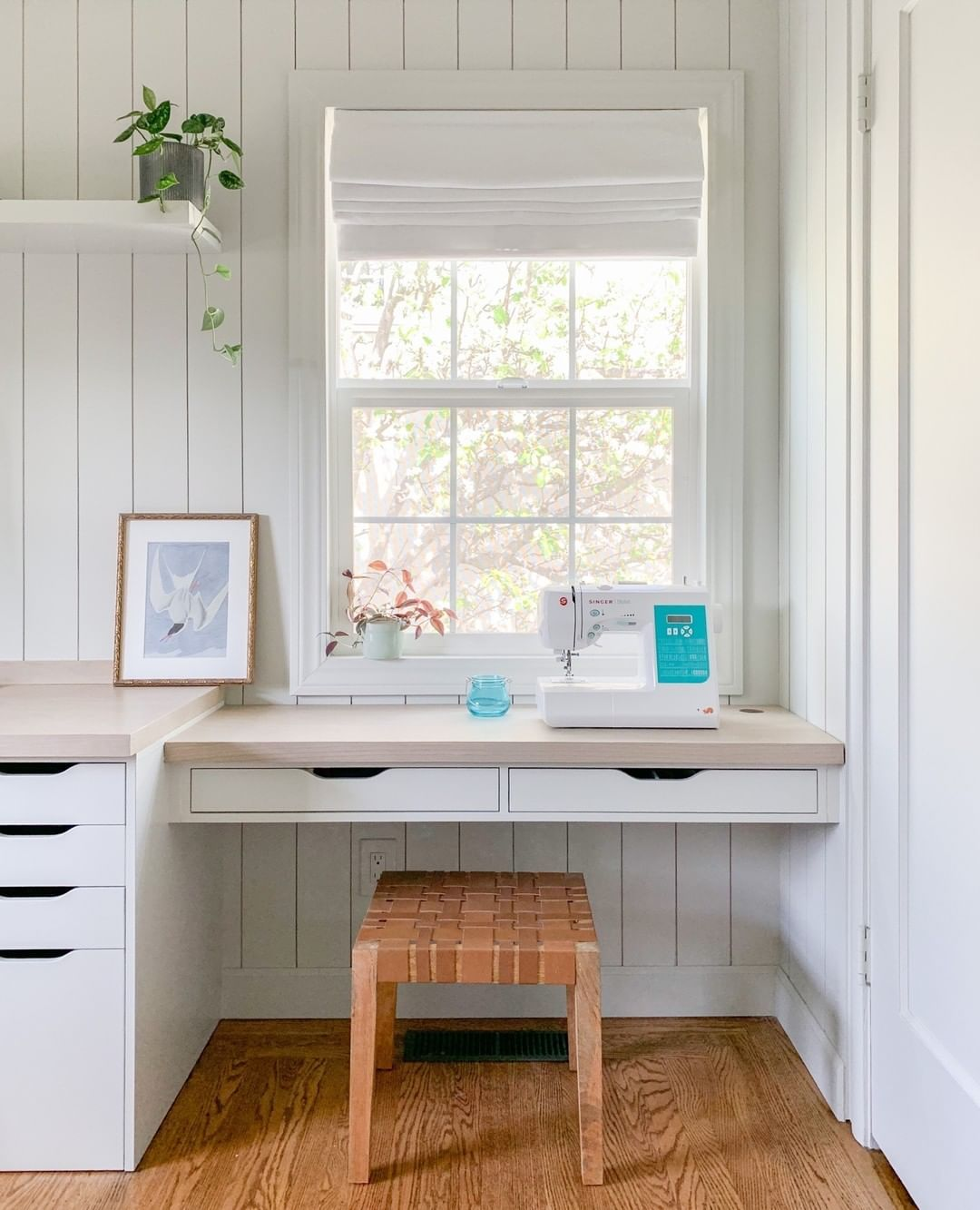 In this DIY tutorial, I'm sharing how I DIY my home office