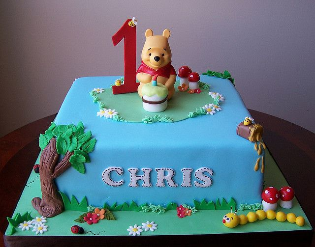 Winnie The Pooh First Birthday Cake With Images Winnie The
