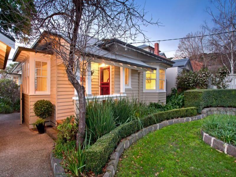 Queenslander exterior paint colours home decor for Queenslander exterior colour schemes