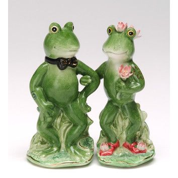 CosmosGifts Alfrogo and Frogalina Salt and Pepper Set | shopswell
