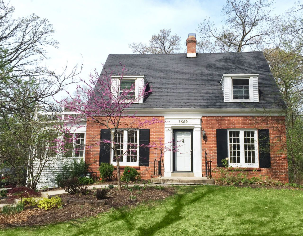 7 of the most charming cape cod style homes across the country rh pinterest com Victorian Style Homes Craftsman- style Home