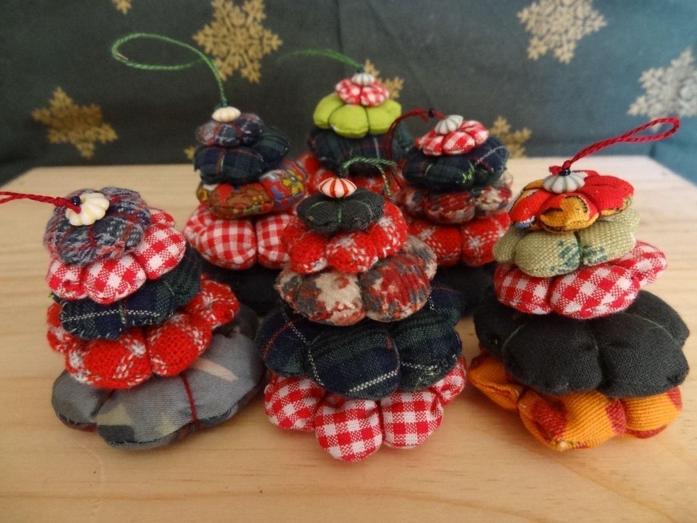 Cadeaux Fait Maison Pour Noel 6 petits sapins rembourrés pour noël. : accessoires de