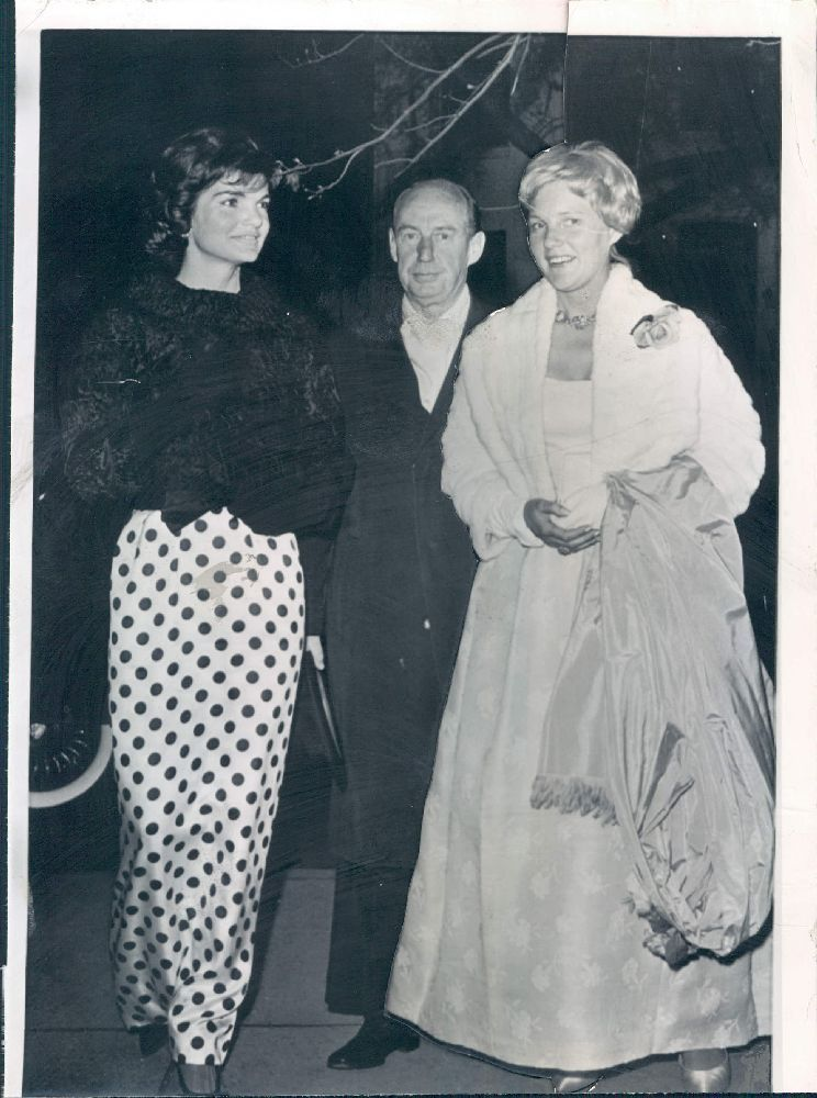 Jackie with Adlai Stevenson | Timeless...... | Pinterest | Daughters ...