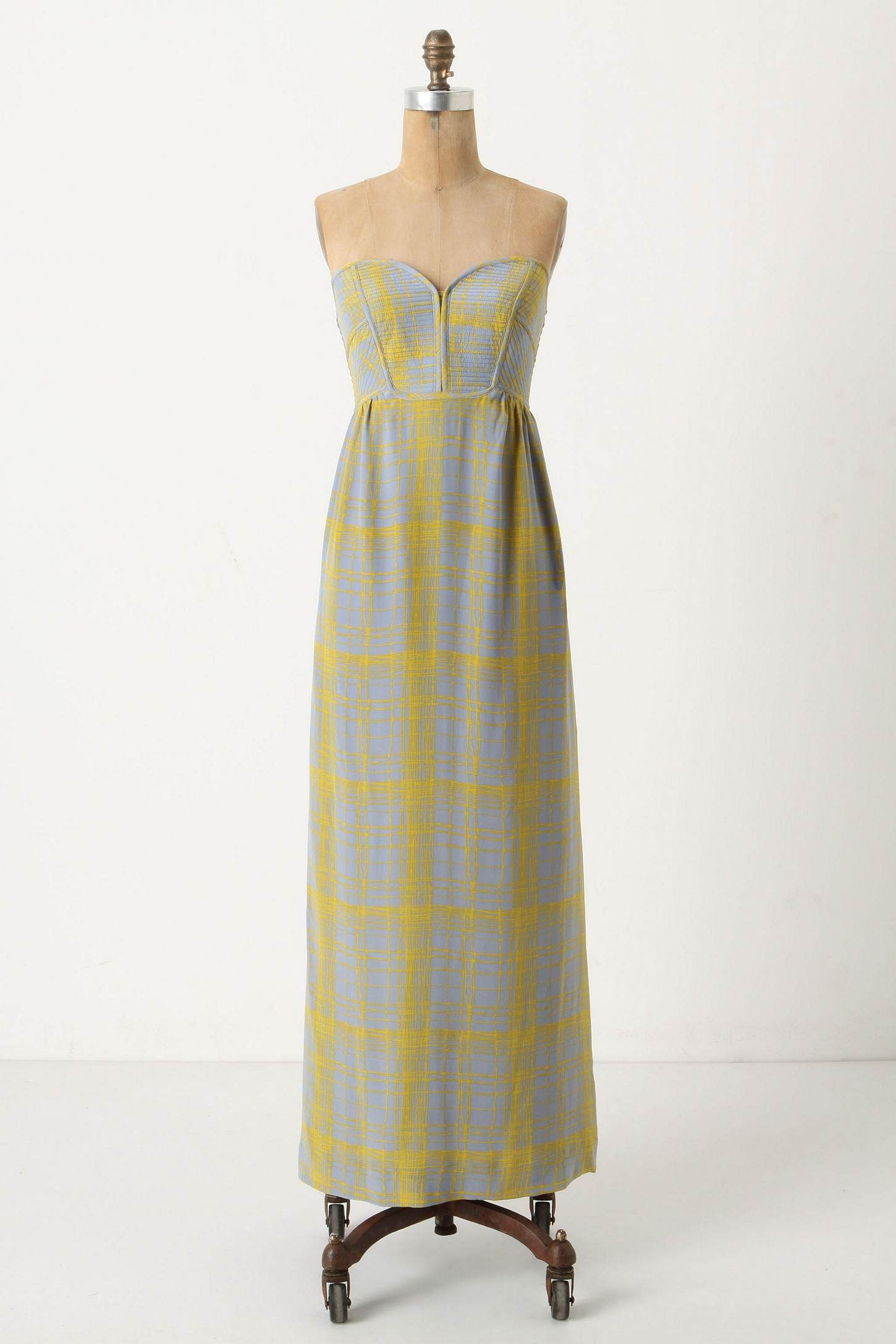 Beautiful long dress from anthropologie i would love this but