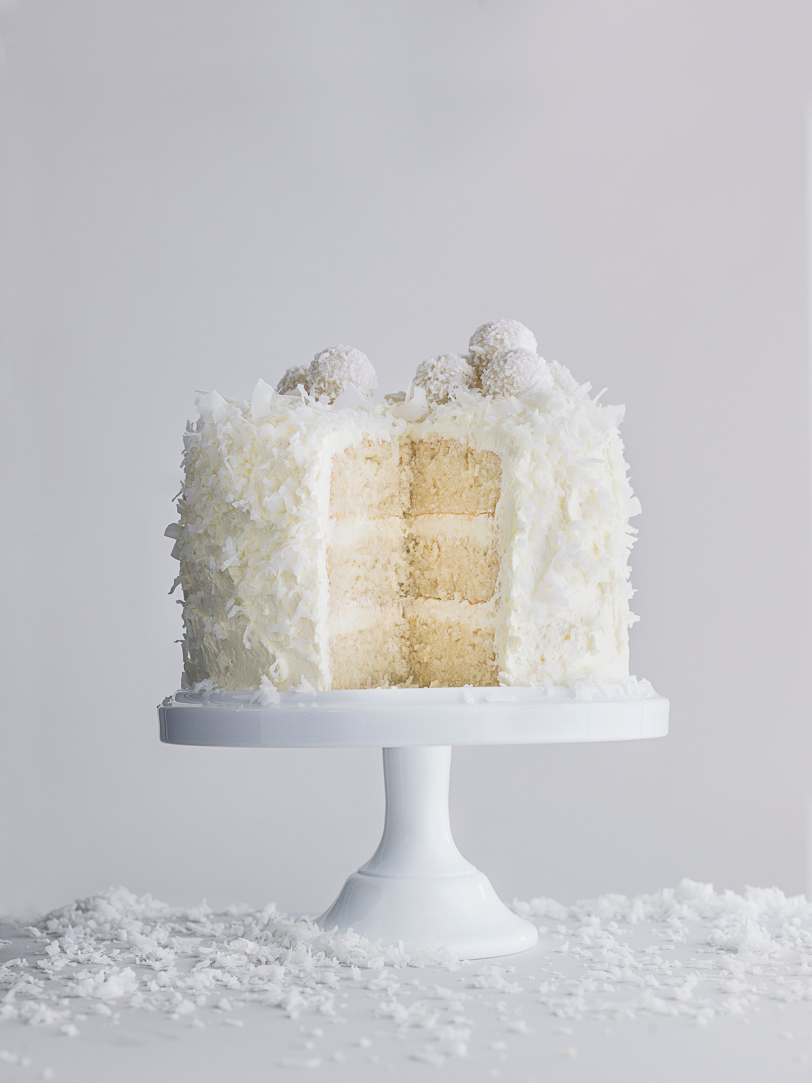 White velvet snowball cake | Christmas 2016, Coconut and White chocolate