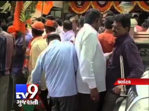 In major relief to Karnataka chief minister Siddaramaiah, who is facing dissension within the party, the ruling Congress won two of the three assembly byelections  For more videos go to  http://www.youtube.com/gujarattv9  Like us on Facebook at https://www.facebook.com/tv9gujarati  Follow us on Twitter at https://twitter.com/Tv9Gujarat  Follow us on Dailymotion at http://www.dailymotion.com/GujaratTV9