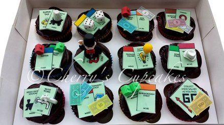 Monopoly Cupcakes With Images Wedding Cake Boards Wedding