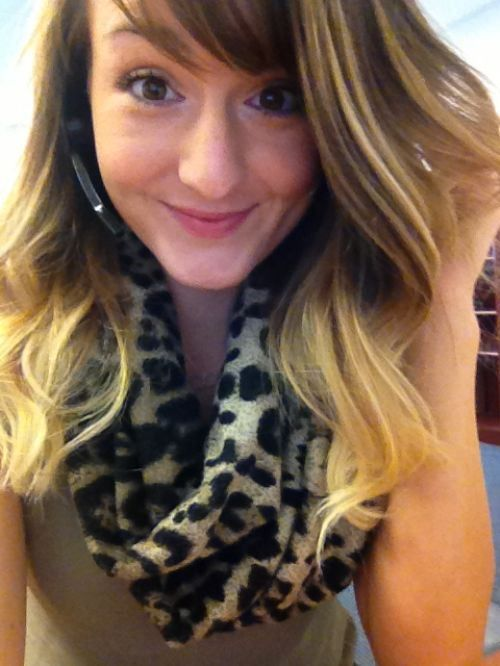 Chivettes Bored at Work (25 Photos) : theCHIVE