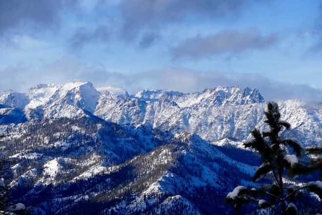 Mount Sawyer 6miles / NWFPass REQ Skykomish Hiking dogs