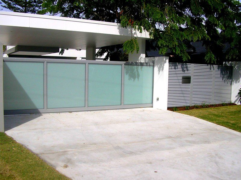 Metal Fence Section With Stucco Posts Modern Fence Fencing Gates Fence Sections