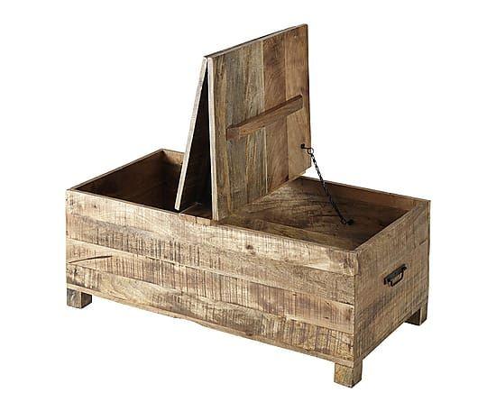 suisse un chalet blanc tables basses coffres coffre bois et maillots de bain. Black Bedroom Furniture Sets. Home Design Ideas