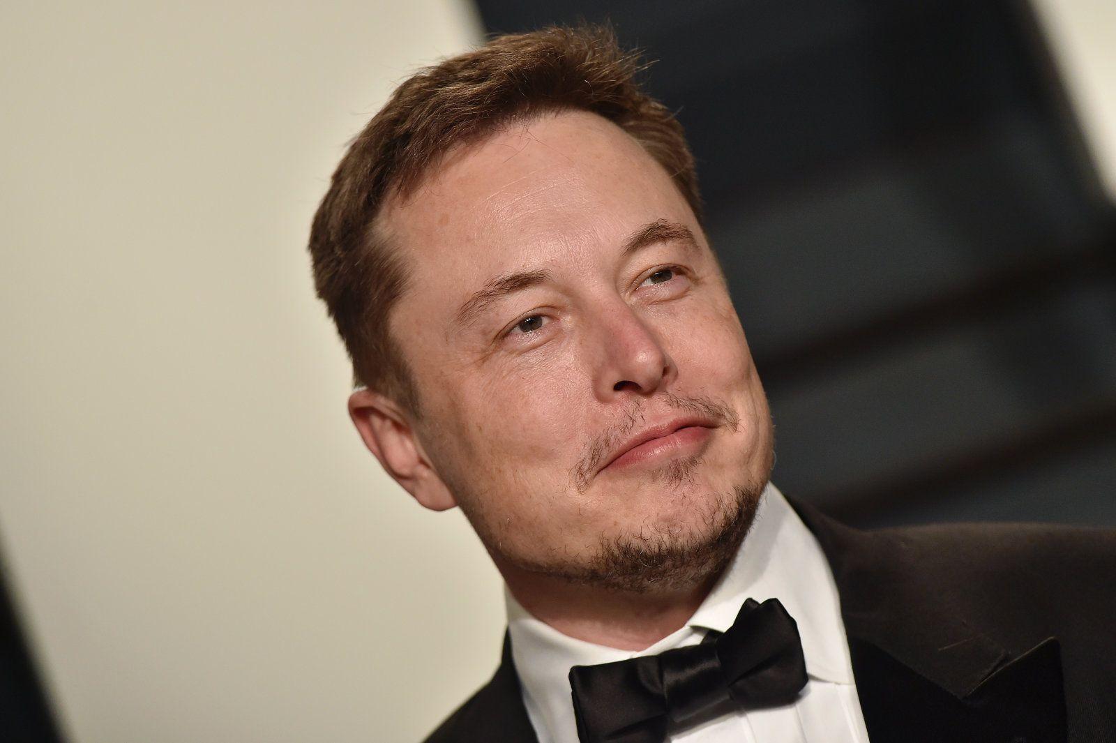 Elon Musk S Hyperloop Approval Seems To Be From The White House Elon Musk Elon Musk Hyperloop Musk