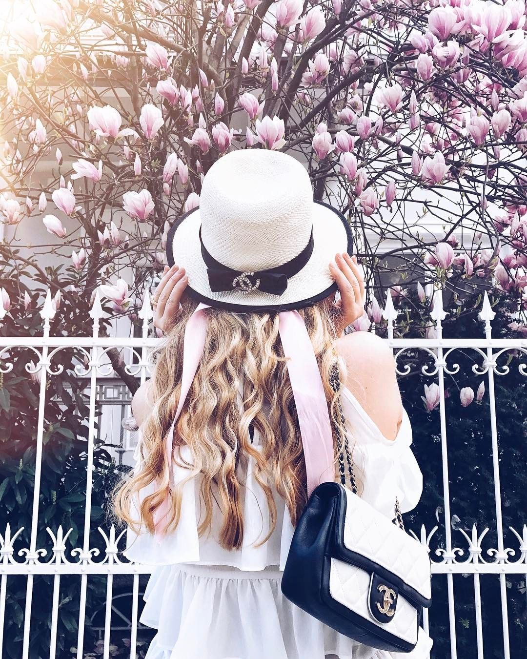 Munich The Blond Macaron Theblondmacaron On Instagram Spring Arrived At My City Cherryblossomgirl Hair By Lo Girly Fashion Girl Photography Girly Girl