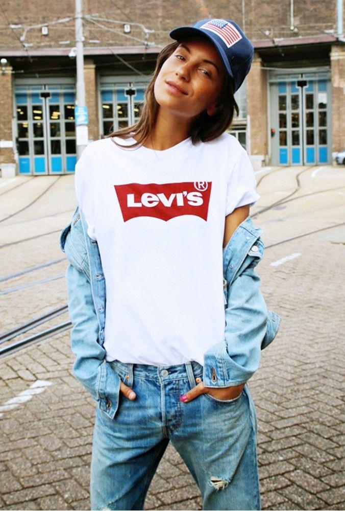 Lizzy Vanderligt in Levi's via @WhoWhatWear