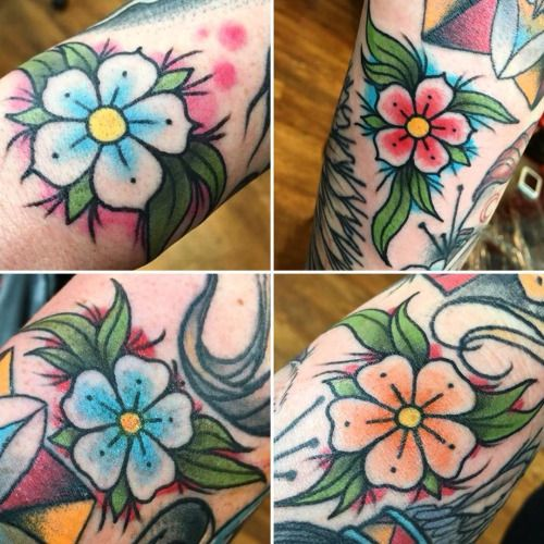 alleyliontattoo:  Lots of fun doing these little forget me not...