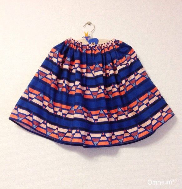 sunsetフレアスカートはキッズサイズを基本として作っておりますが、大人サイズへのお仕立ても可能です。ビビットな色合いの中に深いブルーが入り落ち着いた印象で... ハンドメイド、手作り、手仕事品の通販・販売・購入ならCreema。
