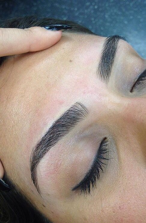 how to draw your eyebrows with eyeliner