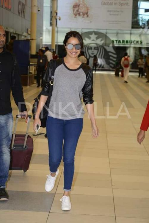 61ef19edc2bf3 Spotted  Half Girlfriend Shraddha Kapoor is back in Mumbai after Benaras  shoot!