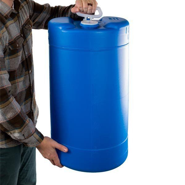 15 Gallon Bpa Free Portable Heavy Duty Plastic Water Storage Tank We Picked This 15 Gallon Capacity Surviv Water Storage Tanks Water Storage Storage Tank