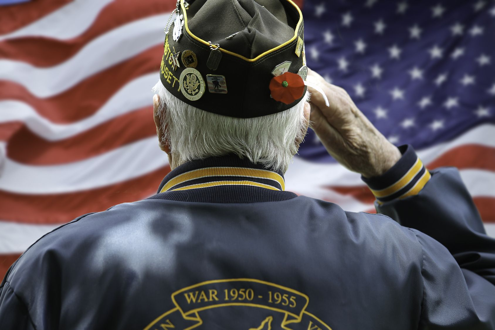 Today we thank those who served and sacrificed for our country. #VeteransDay http://hospiceofgrace.com  Questions, Call (818) 452-3737