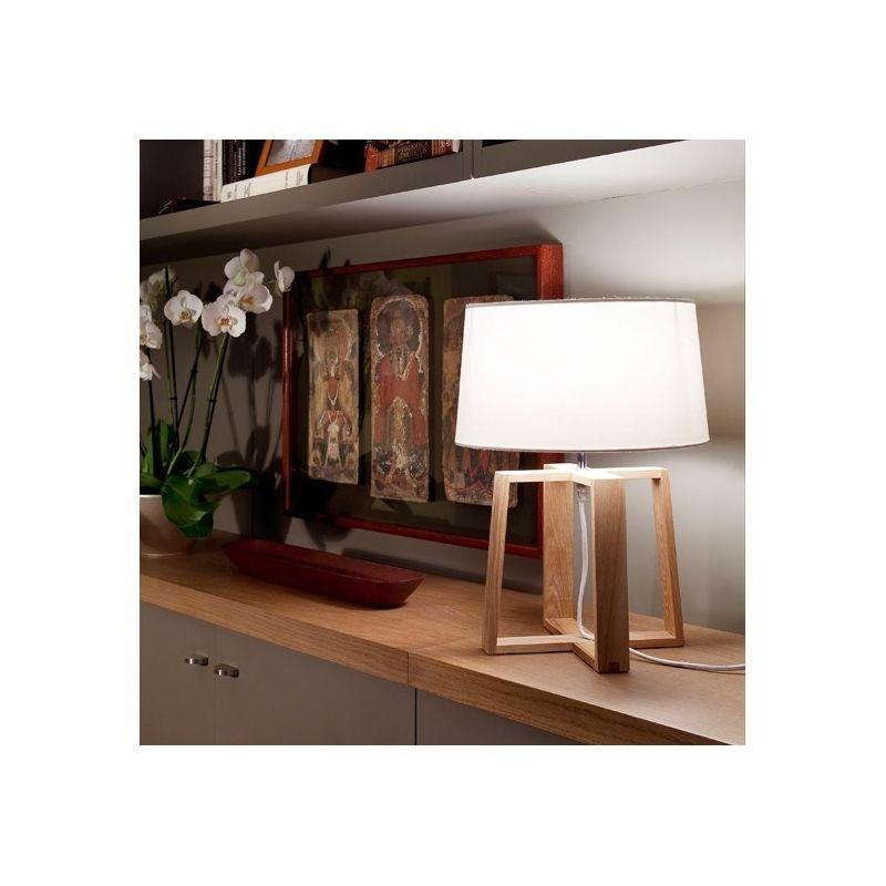Resultado de imagen de lamparas madera aplique mesita noche Home
