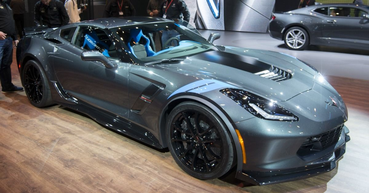 Bon Chevrolet Debuted The New Corvette Grand Sport At The Geneva Motor Show,  Which Combines The Engine Of The Corvette Stingray With The Looks Of The