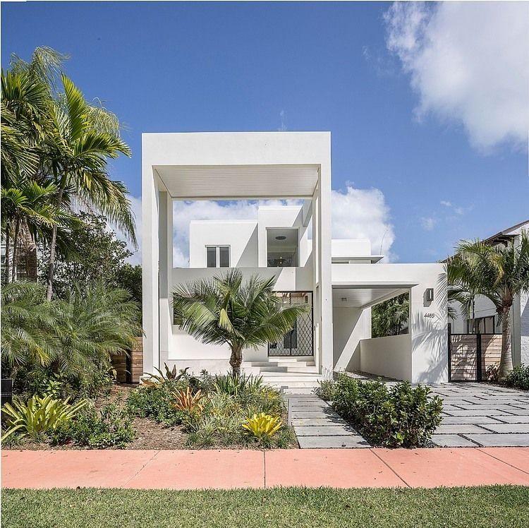 Royal palm residence by nc office miami beach florida for Fachadas de casas en miami florida