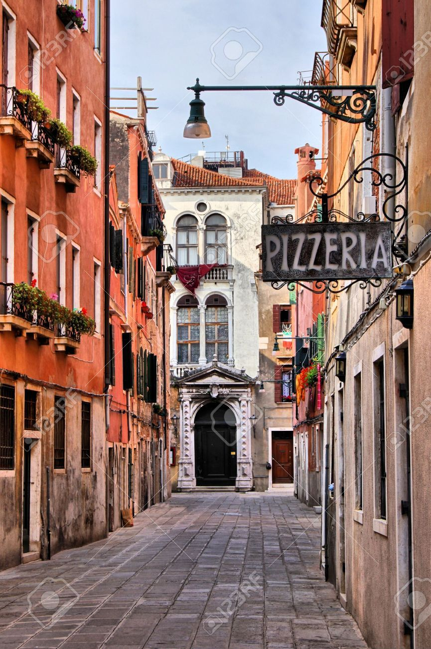 Quaint Street In Historic Venice, Italy With Pizzeria Sign ...
