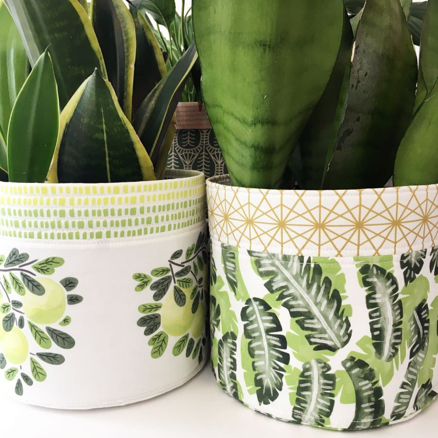 DIY Fabric Planter in 2020 Planter cover, Fabric flowers