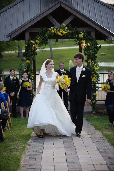 Stone Bridge Farm, outdoor wedding, sunset ceremony, bride and groom, Cullman, AL, wedding venue, wedding photography