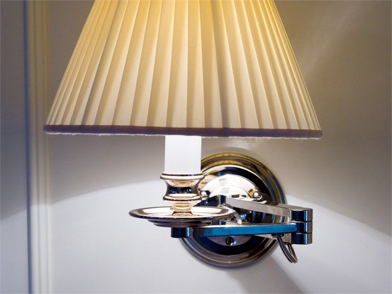 Lampada da parete con braccio flessibile al1500 applique by riccardo