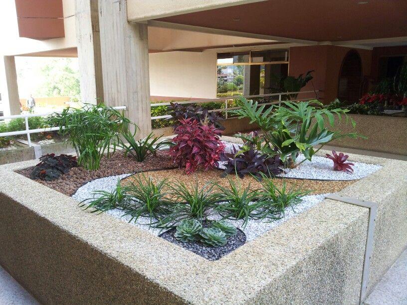 Jardineras jardin garden plantas decoracion paisajismo - Piedra para jardineria ...