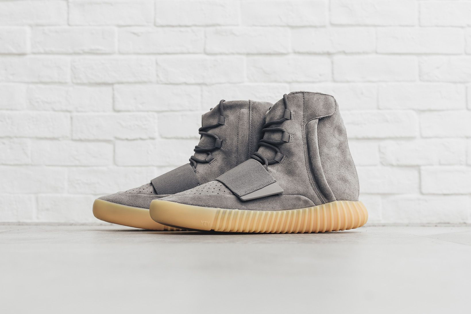 newest collection ff85d 4838b Collective Shots of the adidas Originals Yeezy Boost 750 in ...