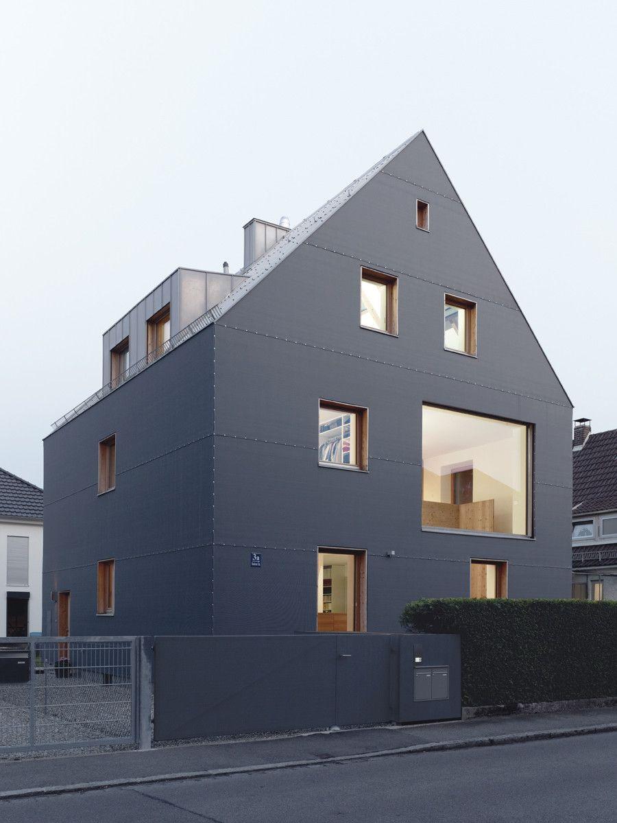 der materialmix aus dunkelgrauem polyethylengewebe faserzement und zinkblech sowie die in der. Black Bedroom Furniture Sets. Home Design Ideas